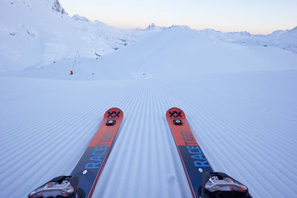Jak uniknąć kontuzji na nartach windsport