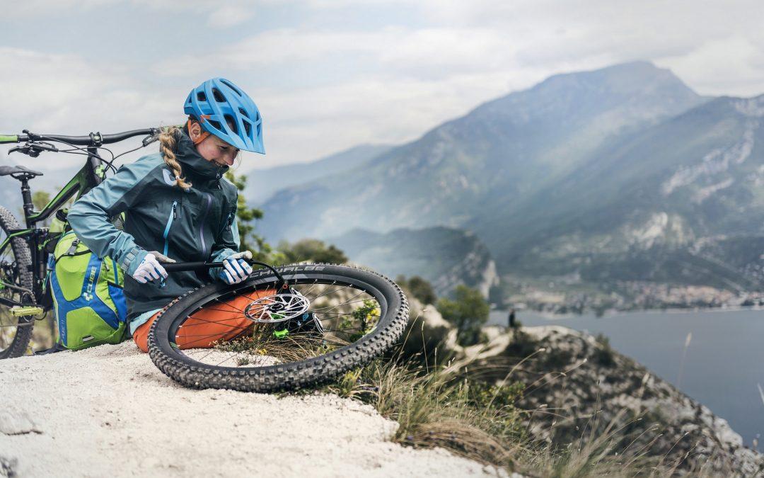 Planujesz wyjazd rowerowy? O tych rzeczach nie możesz zapomnieć. Część 1 – rowerowy niezbędnik.