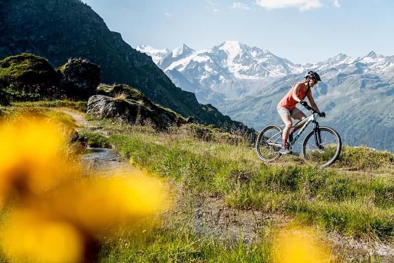 rekreacyjne rowery górskie scott Contessa Active_Bike_2021_SCOTT Action Image_by_Gaudenz Danuser_DANUSER-200728095119-9-HR-min